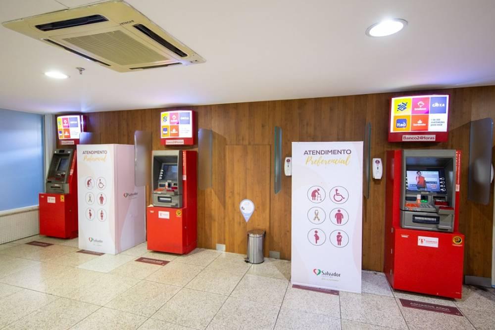 62488f01e Bancos e Caixas Eletônicos. O Salvador Shopping disponibiliza ...